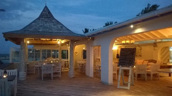Ocean Point Resort & Spa : Sottovento on the beach - restaurant