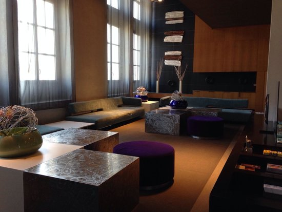 AC Hotel Torino: Lobby
