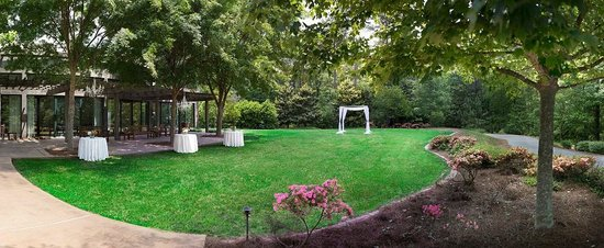 Ballroom Lawn - Picture of The Lodge and Spa at Callaway Resort ...