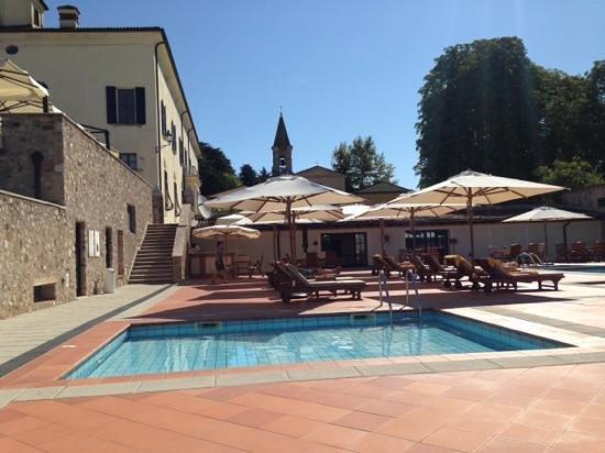 Palazzo Arzaga Hotel Spa & Golf Resort: piscina esterna