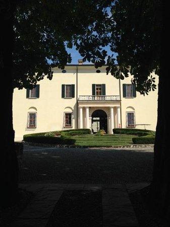 Palazzo Arzaga Hotel Spa & Golf Resort: ingresso principale