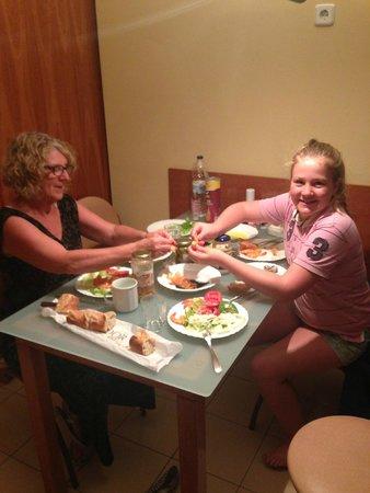 Aparthotel Bertran: Great meal purchased at La Boqueria