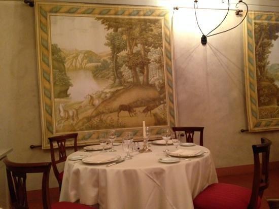 Palazzo Arzaga Hotel Spa & Golf Resort: una delle sale del ristorante