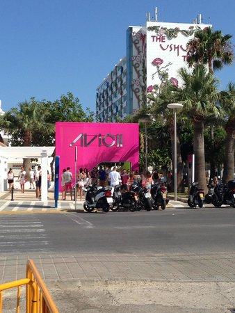 Ushuaia Ibiza Beach Hotel : Fiesta avicci de los domingos