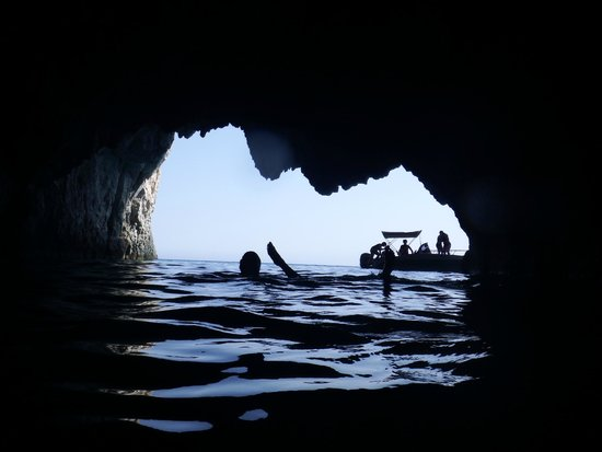Levante Speedboat Excursions: Swimming inside the cave