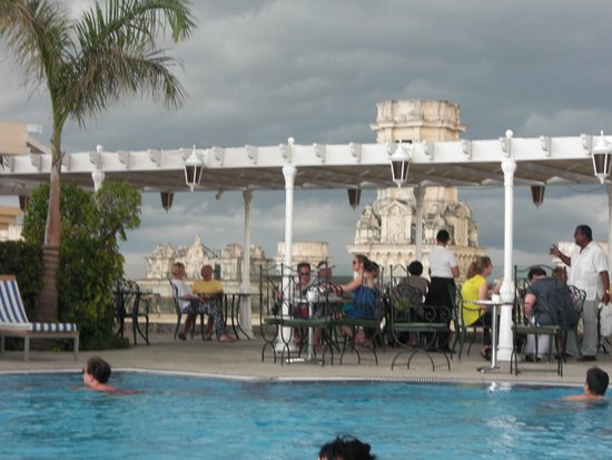 Iberostar Parque Central: View from roof top pool