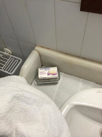 """Alexander's Boutique Hotel of Oia: Carrefour discount soap bar in a """"5 star hotel"""" hohoho joke"""