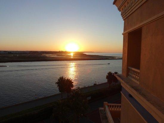 Hotel Melia Atlantico Isla Canela: vue de ma chambre à l'aube