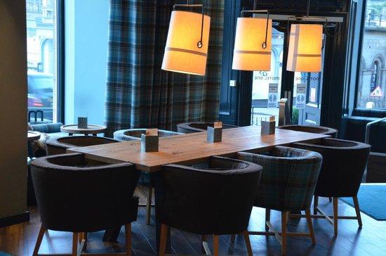 Motel One Edinburgh-Royal: Frühstücksraum