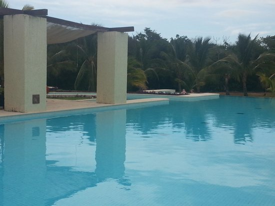 The Royal Suites Yucatan by Palladium: Spa pool