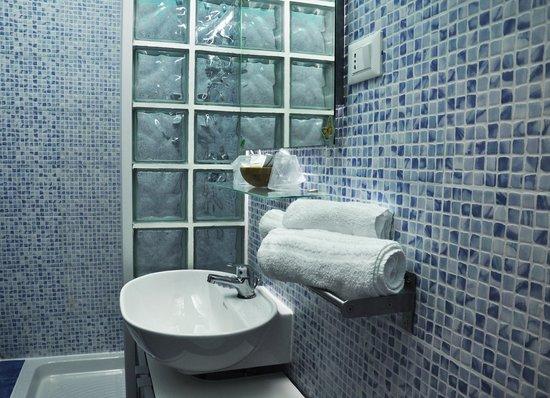 B&B City Life Rome : Internal bathroom