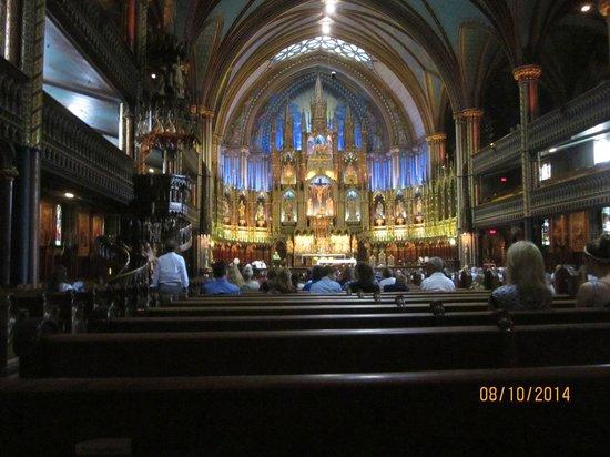 Basilique Notre-Dame de Montréal : Shouldn't have photographed during service :(
