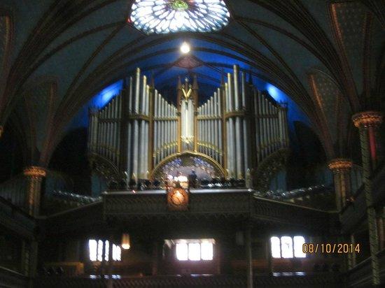 Basilique Notre-Dame de Montréal : Massive Organ Pipes