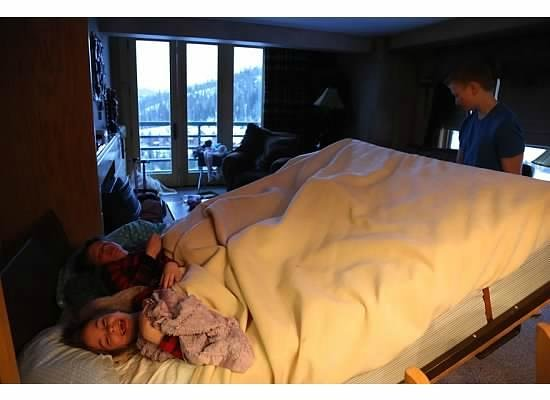 Shoshone Condominium at Big Sky Resort: Kids loved the murphy bed