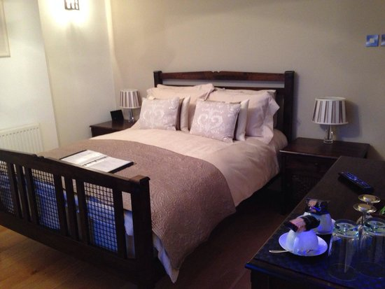 Atlantic Heights: Our gorgeous bedroom