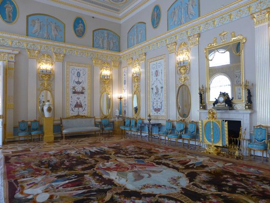 Catherine Palace and Park: room