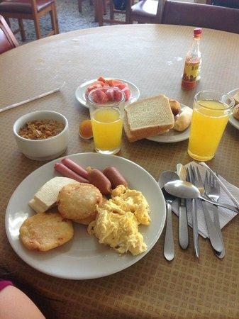 Hotel Stil Cartagena : Buffet desayuno, el otro plato no aparece en la foto