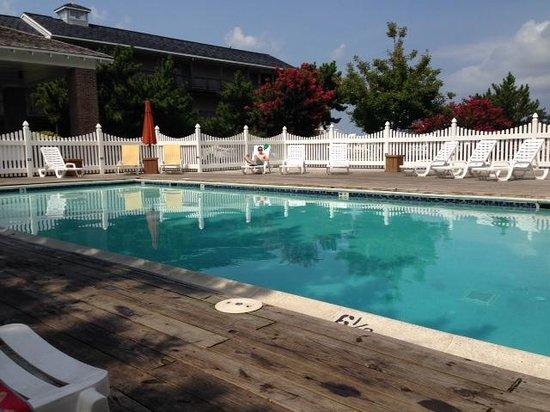 آيلاند ريزورت: nice, clean pool area