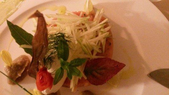 Ristorante Amelie: Tartare de saumon pommes granis Smith
