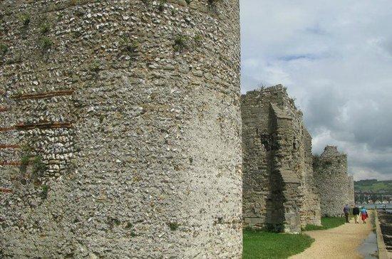 Portchester Castle: Roman walls - the original Saxon shore fort.