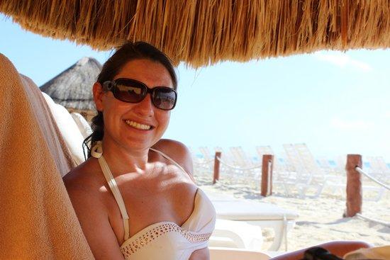 Fiesta Americana Condesa Cancun All Inclusive: Outside beach huts.