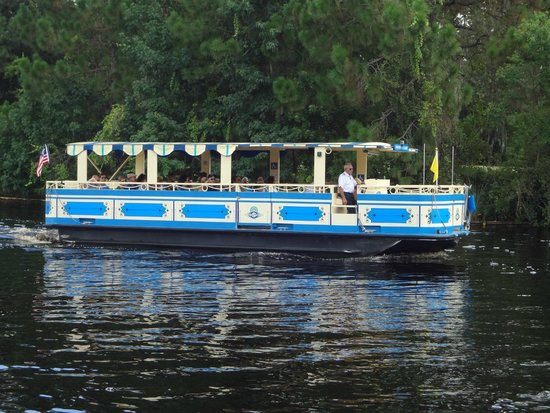Disney's Port Orleans Resort - French Quarter: Boat Ride from Port Orleans Resorts to Downtown Disney
