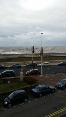 Alderley Hotel: The Sea!