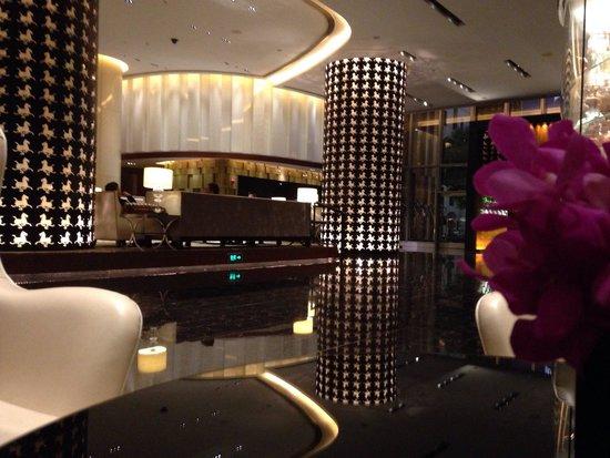 The Langham Shanghai Xintiandi: Le lobby