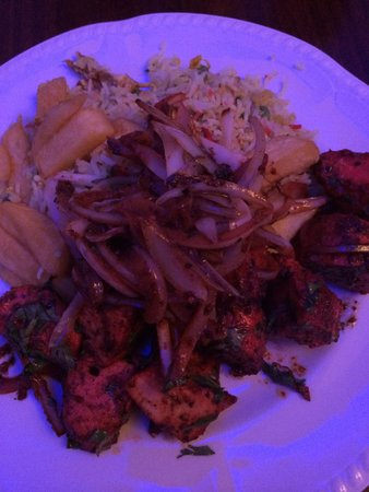 Cinnamon Tree : Chicken tikka (dried) with rice and chips.