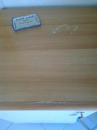 Orsa Maggiore : scrivania camera 136