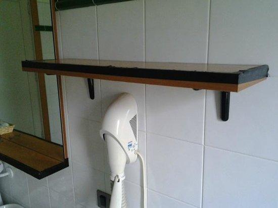 Orsa Maggiore : pensile bagno della 108