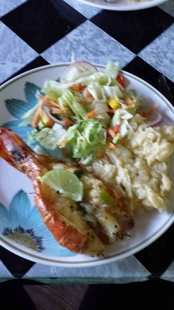 Joycln's Restaurant: Lobster, Mashed Potatoes, Salad