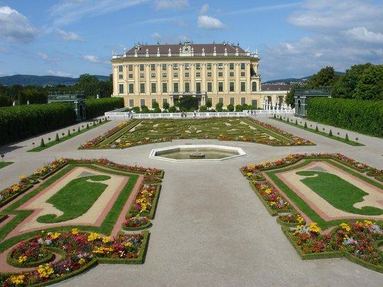 Château de Schönbrunn : Schloss Schönbrunn, private gardens