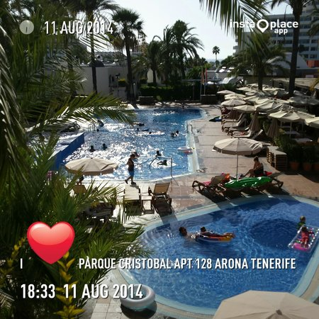 HD Parque Cristobal Tenerife: veiw of the pool from our bungalow 128