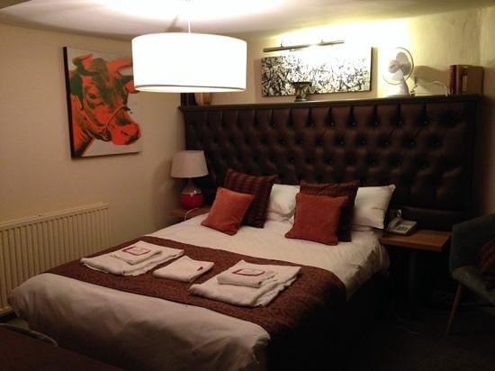 The Cross Hands Hotel : suite with quirky decor
