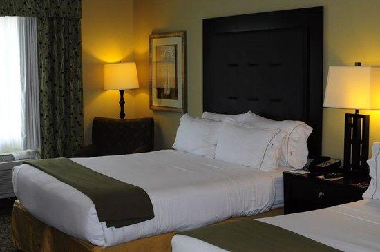 Holiday Inn Express Columbus - Dublin : comfy beds