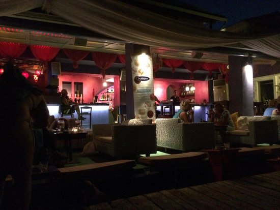 Messonghi, Grecia: Barocco Beach Bar by night 1