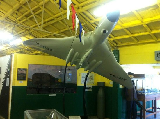 Thorpe Camp Visitor Centre: Vulcan bomber in the Squadrons area