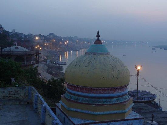 Kedareswar Bed & Breakfast: vue de la terrasse au petit matin