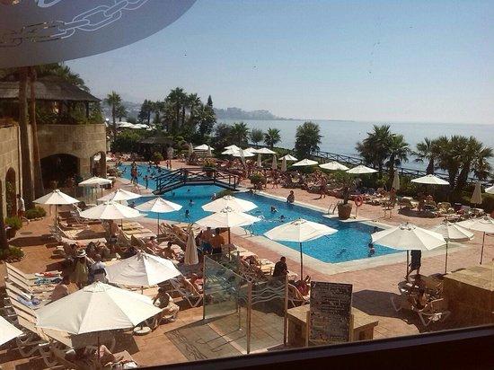 Gran Hotel Elba Estepona & Thalasso Spa: Vista desde el lobby bar