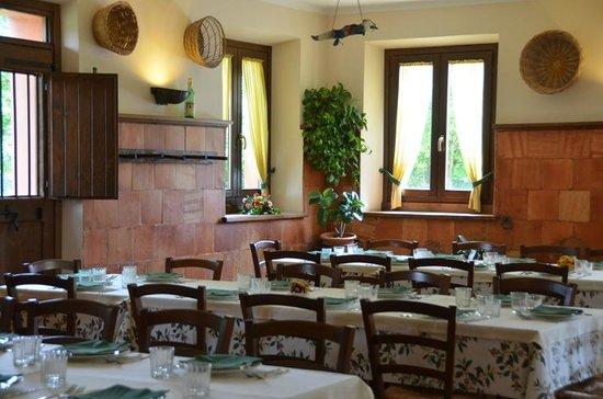 Passo di Treia, Włochy: Ristorante Podere Catignano