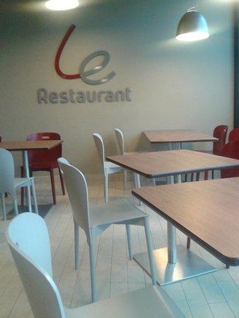Campanile Carcassonne Est - La Cite : la sala ristorante
