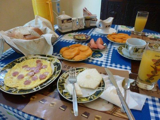 Casa Amanecer: Desayuno