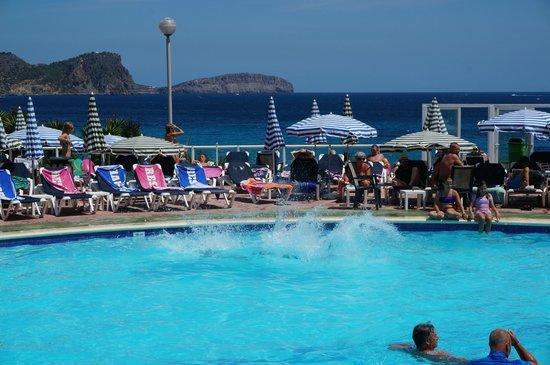 Fiesta Hotel Cala Nova: pool