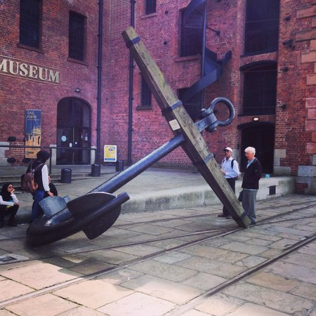 Merseyside Maritime Museum: The anchor on front of the museum