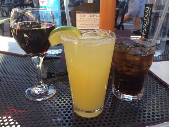 Sweetwaters : Wine, margarita and Pepsi