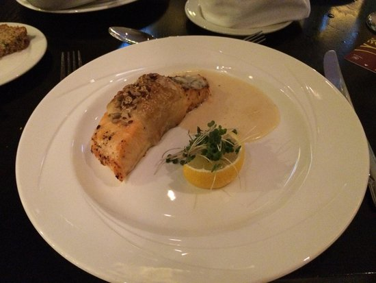 Sheraton Athlone : Salmon en Croute - not sure why there's no pastry! Not a great dish