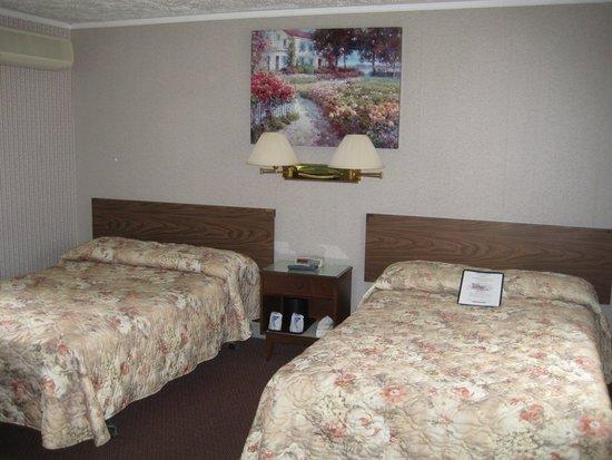 Allen's Motel : Inside our room