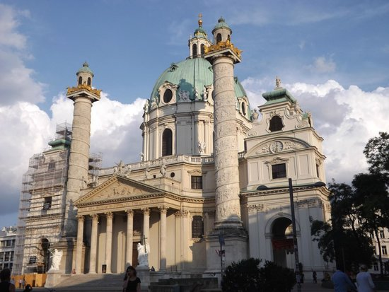 Hotel Papageno : Karlskirche, close to the hotel