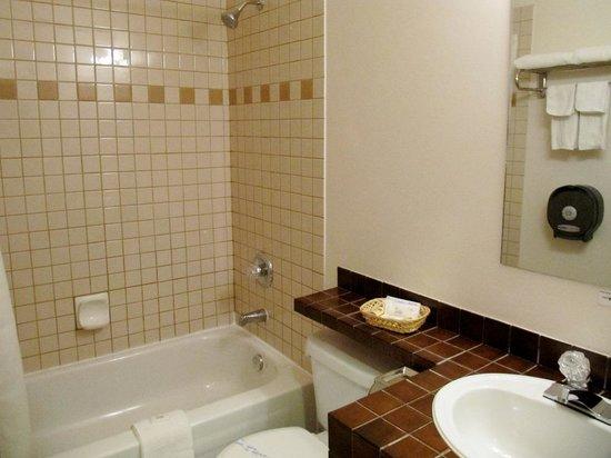 Hotel De Oro: DeOro Room 221